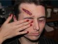 Gruseliges Fake Makeup